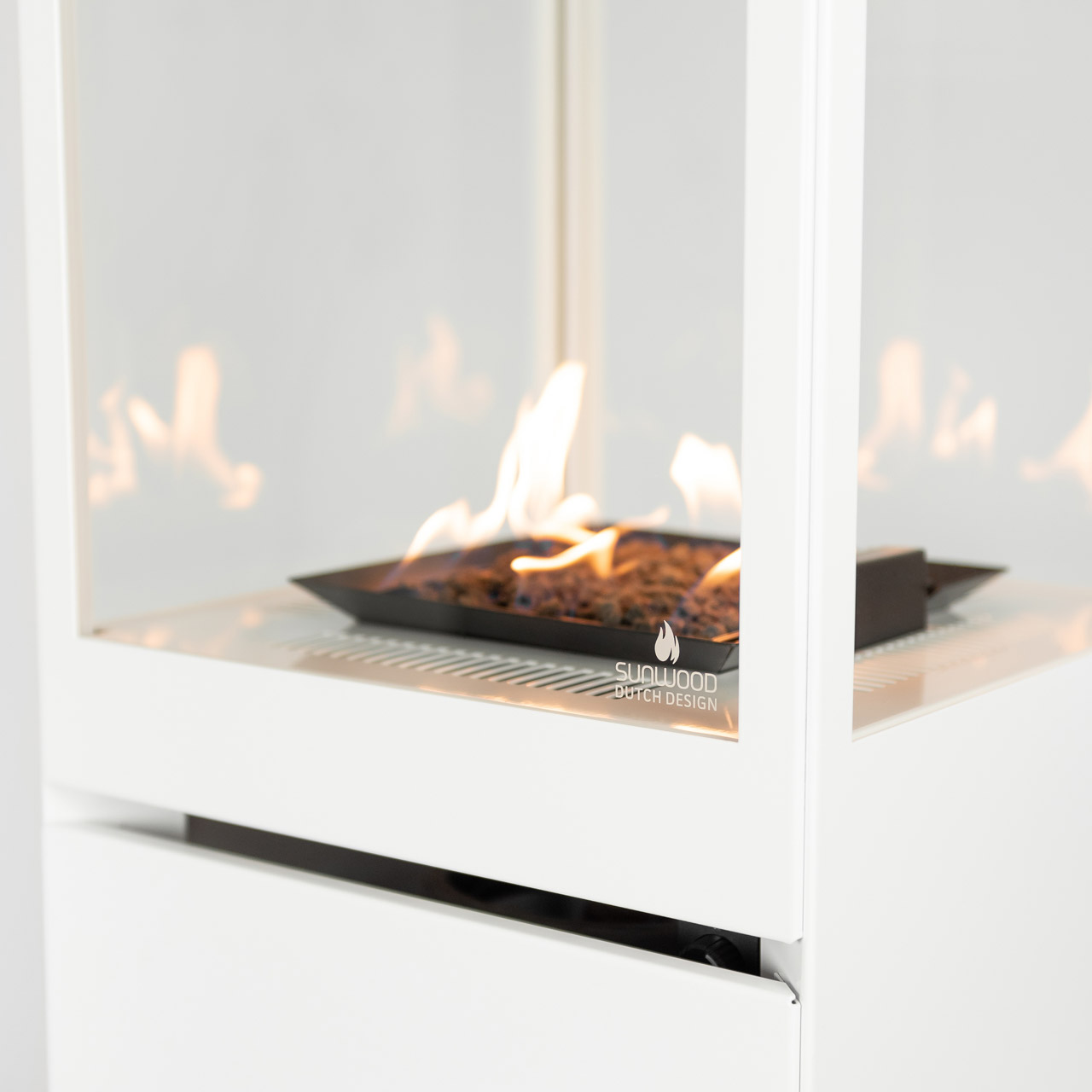 Sunwood Dutch Design Marino Buitenhaard Signal White Kleur Productfoto Vlammenspel