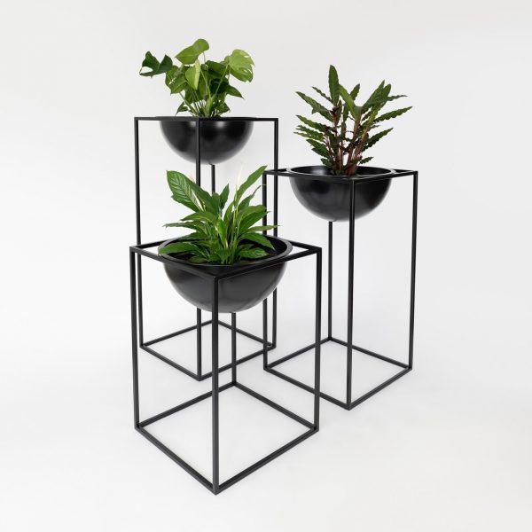 NOBL design vazen set met plant standaard voor binnen op witte achtergrond