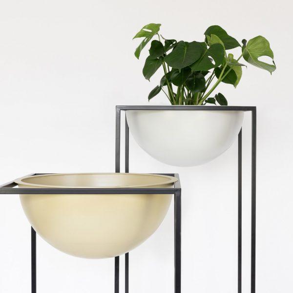 Sunwood NOBL design vazen voor binnen met Monstera plant op witte achtergrond