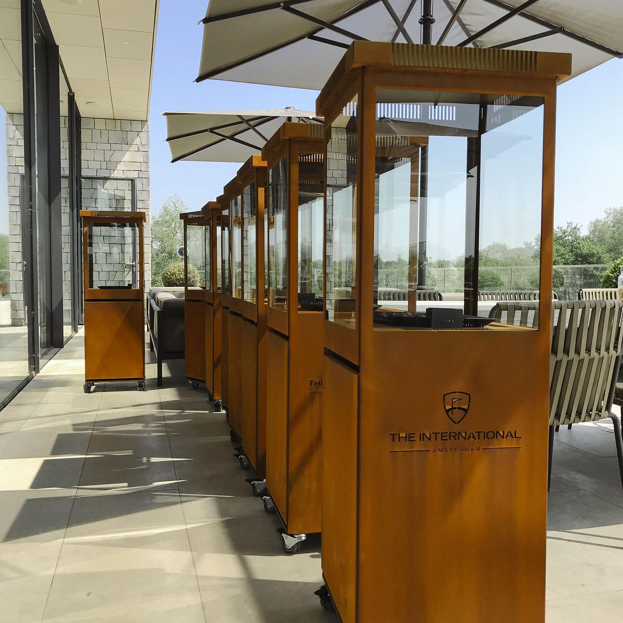 Sunwood Marino Premium Cortenstaal Buitenhaard op het terras bij The International Amsterdam