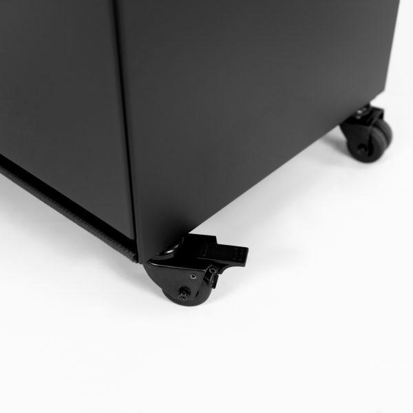 Zwenkwielen van de Marino terrashaard in mat zwart